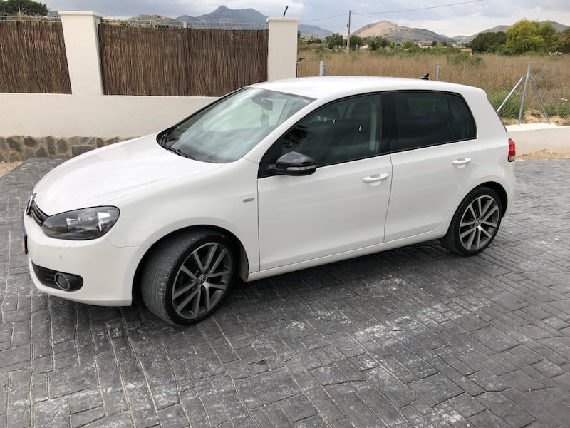 Volkswagen - Golf - 2012 1
