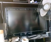 black flat screen TV with remote Brampton, L6T 4N5