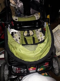 baby's green and multicolored folding stroller Chesapeake, 23321