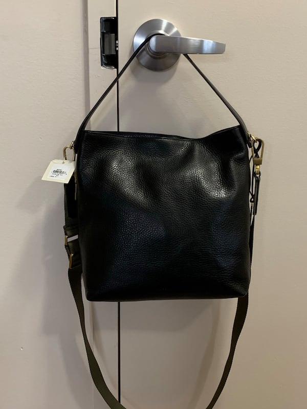 Brand new with tags Fossil Maya hobo crossbody bag 445c144c-2396-4a92-a2a2-16c8e3211fb2