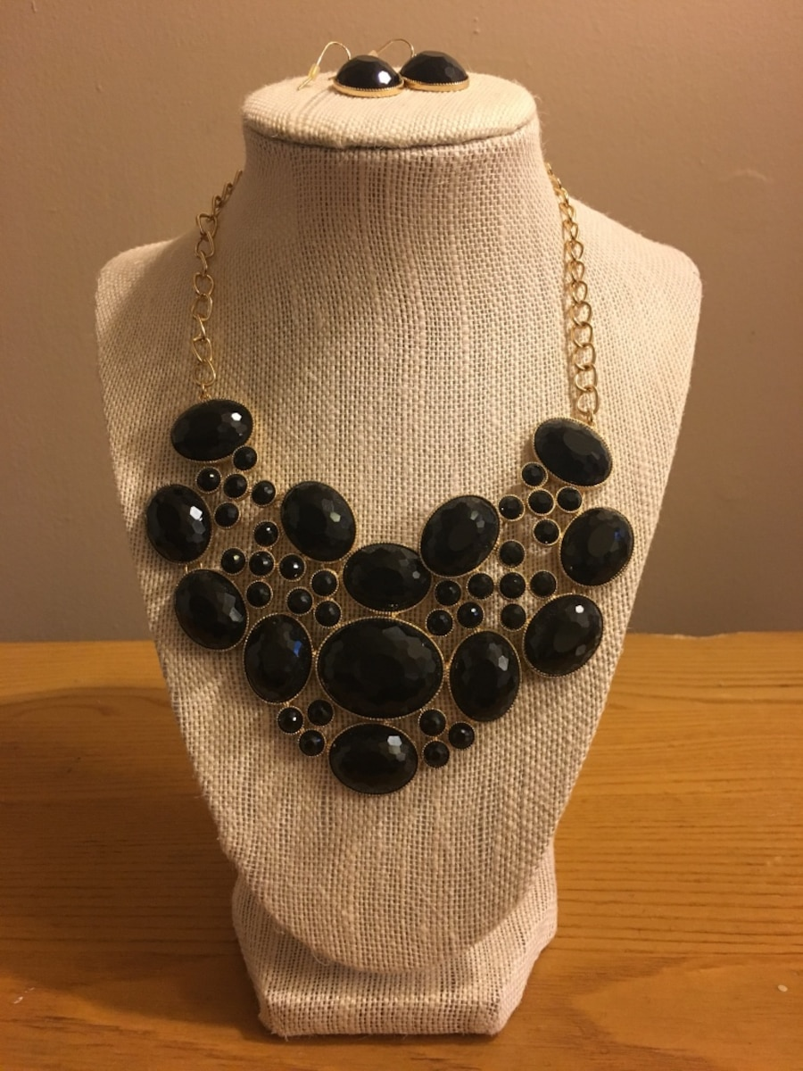 Black beaded gold costume jewelry necklace & earring set