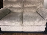 gray fabric 2-seat sofa Houston, 77036