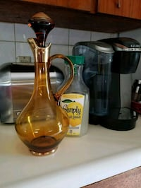 Retro Glass Decanter  Toronto, M9N