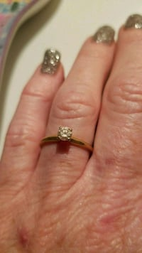 Gold and diamond solitaire engagement ring Panama City, 32404
