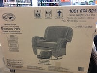 black and gray outdoor lounge chair box Toronto, M1G 2R1