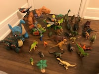 assorted-color plastic toy lot 546 km
