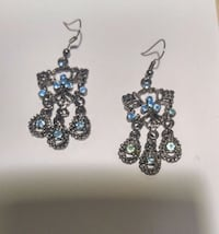 Earings with blue stones Kitchener, N2H 6A6