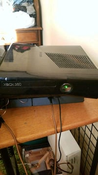black Xbox 360 game console Springfield, 45503