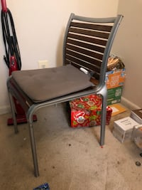 gray and black metal chair 费尔法克斯, 22031