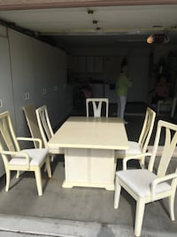 Cream color Dining Room Table w/5 Chairs (1 captains chair) beautiful padded clean chairs. With Leaf Las Vegas, 89134
