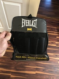Brand new Everlast Punch Mitts 3479 km