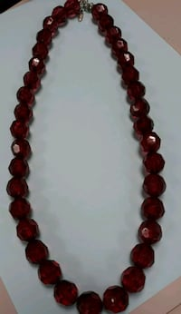 Gorgeous Looking Designer Collectible Necklace!  Chicago