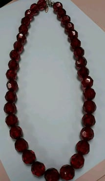 Gorgeous Looking Designer Collectible Necklace!