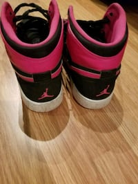 Black and Pink Jordan 1s Windsor, N8P 1W7