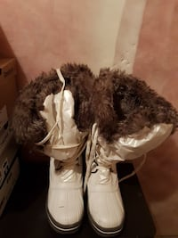 White boots with fur