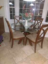 Round kitchen glass table with 4 chairs  Laurel, 20707