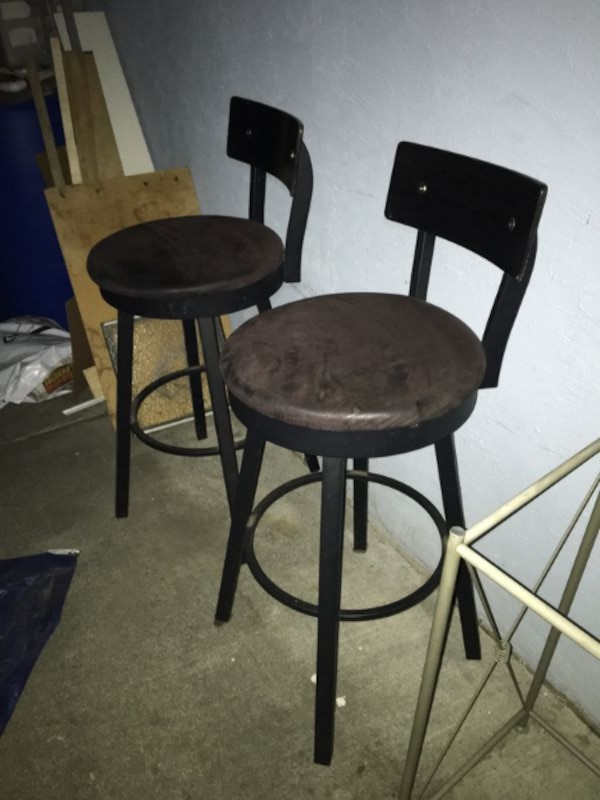 2 Nice Contemporary Swivel Bar Stools Chairs 32 Bar Stool