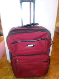 VALISE//SUITCASE//ROUGE//SMALL//ONE ZIPPER BROKEN  766 km