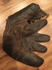 Antique Rawlings baseball glove Bluemont, 20135