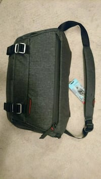 Peak design 10l sling camera bag Surrey, V3X 1A3