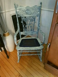 Rocking chair Barrie, L4M 4Y8