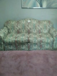 white and green floral sofa Great Falls, 59404