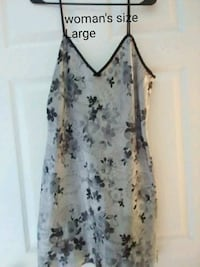women's white and blue floral sleeveless dress Valdosta, 31602