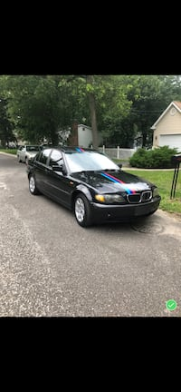 BMW - 3-Series - 2004 Here we have a 2004 BMW 325xi The black beauty. Very strong car. Great for a starter car for young adults..  Car has no issues Clean title  Good engine  Good Tran  140k  Please no low ballin  Asking 3499 Clementon, 08021