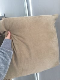 4 pillows Daly City, 94015