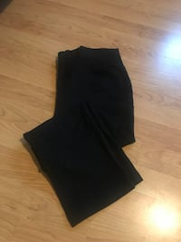 Black capris (eclipse) size medium