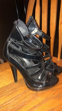 Black leather heels ( club couture)  3730 km