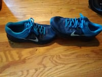 Nikes mens 9 Independence, 64050