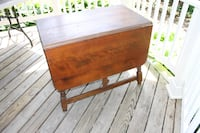 Walnut drop-leaf table CHARLESTOWN