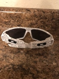 Mens Oakley Oil Rig sunglasses