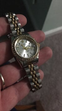 round silver-colored analog watch with link bracelet Germantown, 20874