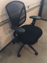 OFFICE CHAIR-BLACK
