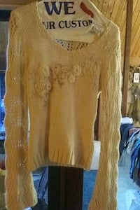 From Lucky! Woman's sweater Troutdale, 97060