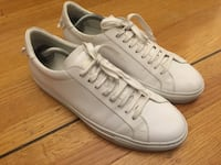 Givenchy Paris 17 Sneakers  Richmond, V7A 1G5