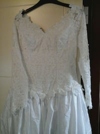women's white floral long sleeve wedding gown