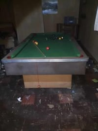Antique pool table slightly used 1000$ or best offer Custom Craft