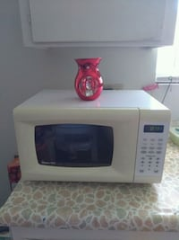 white and black microwave oven Las Vegas, 89108
