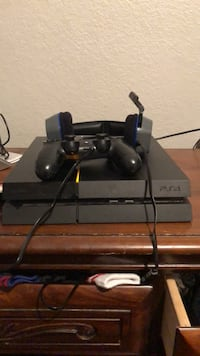 PS4 500G first gen with controller and headset Mesa, 85205