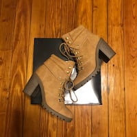 Pair of brown-and-black leather chunky heeled boots with box New Orleans, 70116