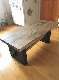 Wood coffee table New York, 11222