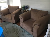 2 oversized tan microfiber chairs Chantilly, 20152