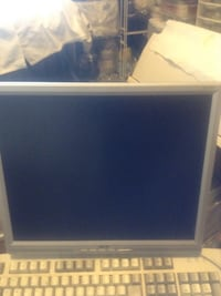 Gray flat screen computer monitor -17 inches. Acer. Hardly used Langley, V2Y
