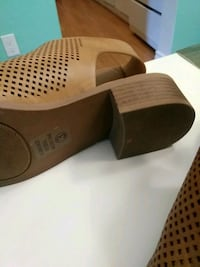brown and black leather slip on shoes London, N6J 4R7