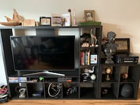 TV stand / wooden black TV stand Beverly Hills, 90211