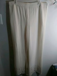 women's white skirt 24 mi