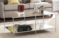 Traditional glass coffee table with mirrored bottom ! New York, 10128